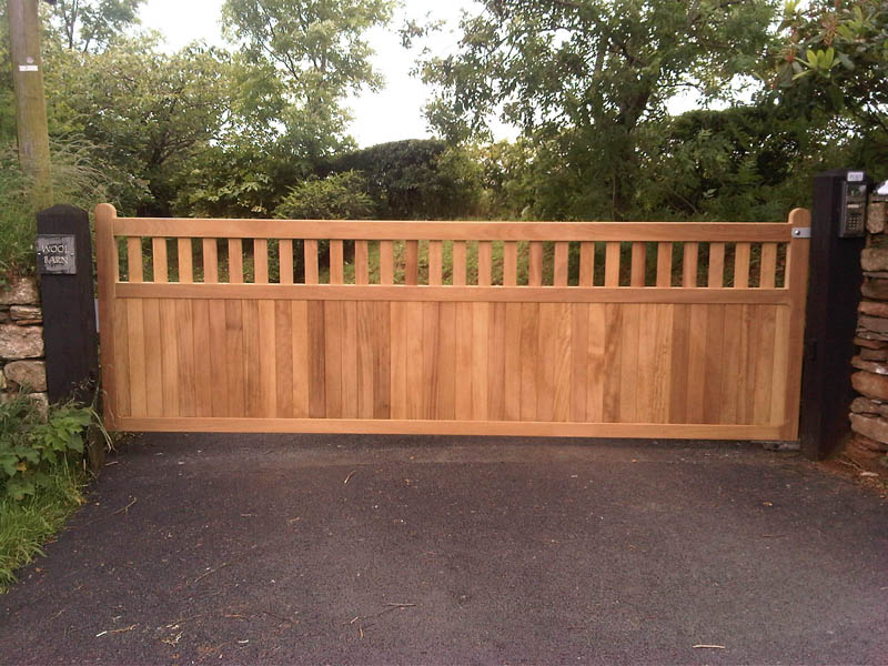 Westcountry gates wood gates wooden gates timber for Single wooden driveway gates